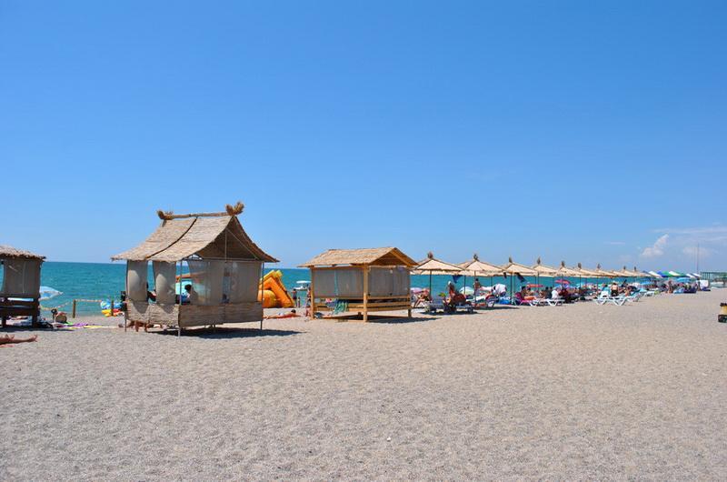 Пляжи в Саках