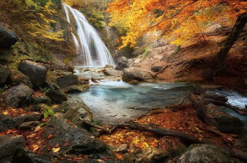 Водопад Джур-Джур в октябре