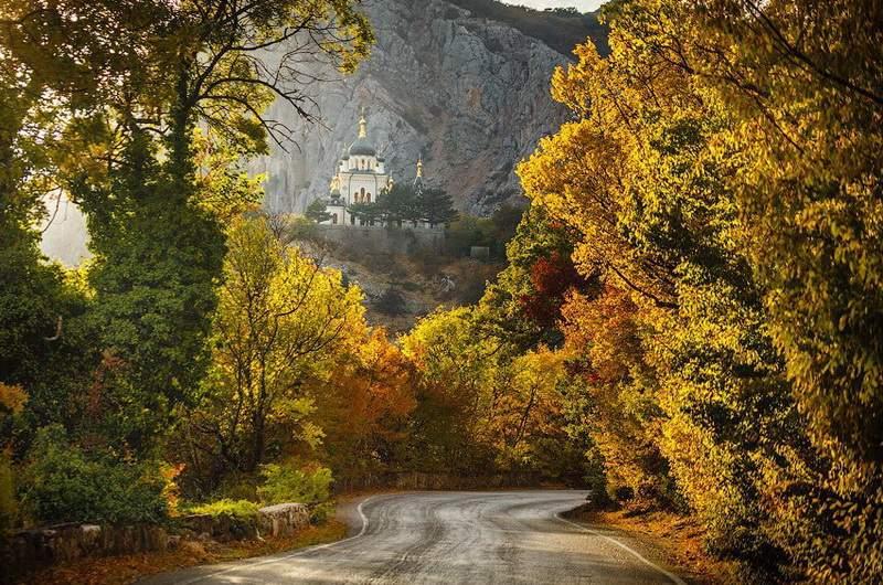 Дорога к Форосской церкви. Фото С. Анашкевич